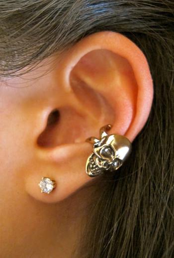 Skull Ear Cuff in Bronze