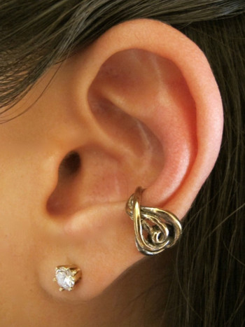 Twisted Ear Cuff in Bronze