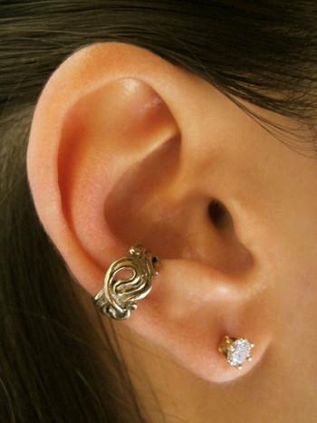 Nouveau Swirl Ear Cuff in Bronze