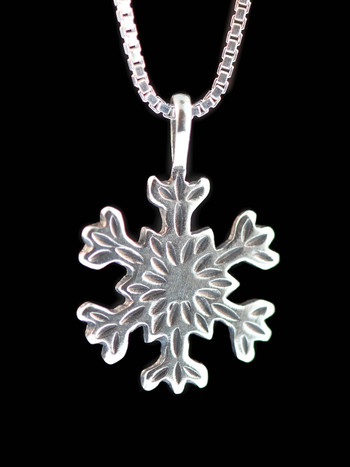 Christmas Pointed Snowflake Charm in Silver