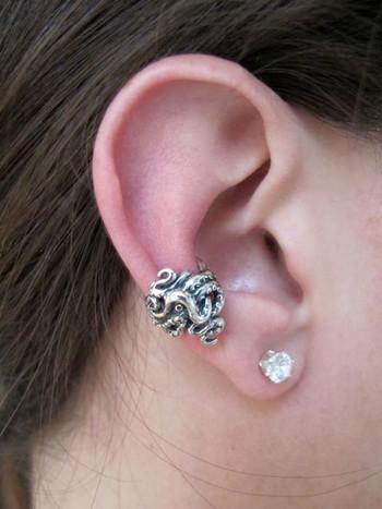 Octopus Tentacle Twist Ear Cuff - Silver