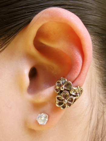 Daisy Love Ear Cuff - Bronze