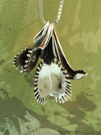 Double Venus Flytrap Charm Pendant