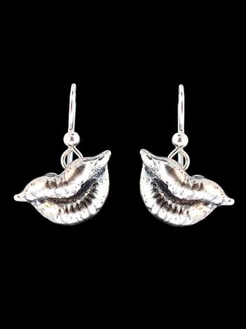 Kiss Earrings - Silver