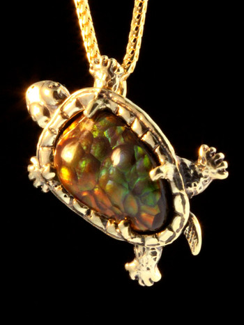 Sylvester Tortoise in 18k Gold with Fire Agate