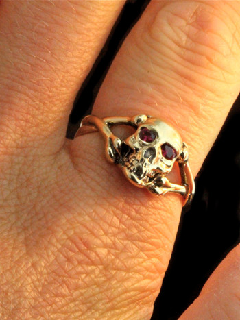 Medium Skull And Crossbones Ring With Ruby Or Diamond Eyes 14k Gold Marty Magic Store