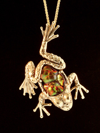 Harlequin Tree Frog Pendant in 18K Gold