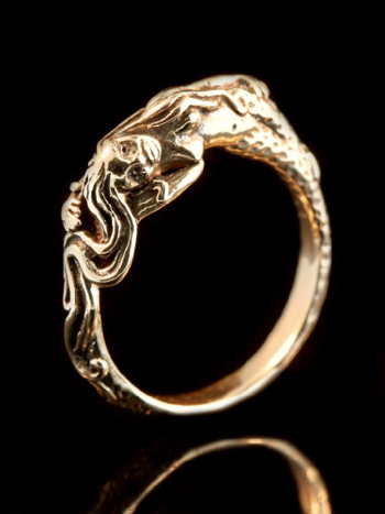 Mermaid's Dream Ring in 14K Gold