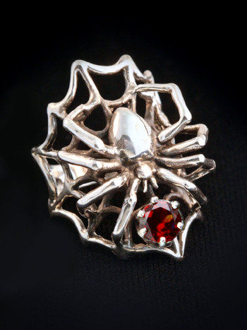 Large Spider Ring with Mozambique Garnet