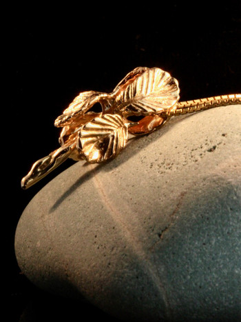 14k Gold Iris Pendant