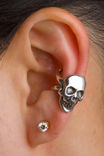 Skull Ear Cuff in Silver