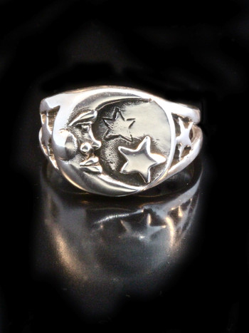 Moon and Star Ring - Silver