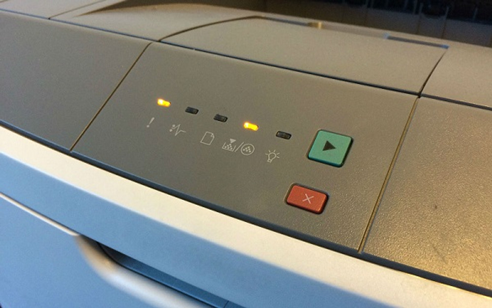 Lexmark E260: Indicator Lights