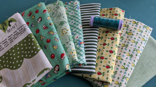 #53 Grab Bag (8) Fat Quarter pack w/BONUS thread