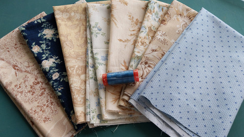 Blue & Beige (8) Fat Quarter pack w/BONUS thread