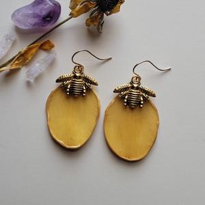 Daffodil Petal Earrings- 14K GF with Bee Charm