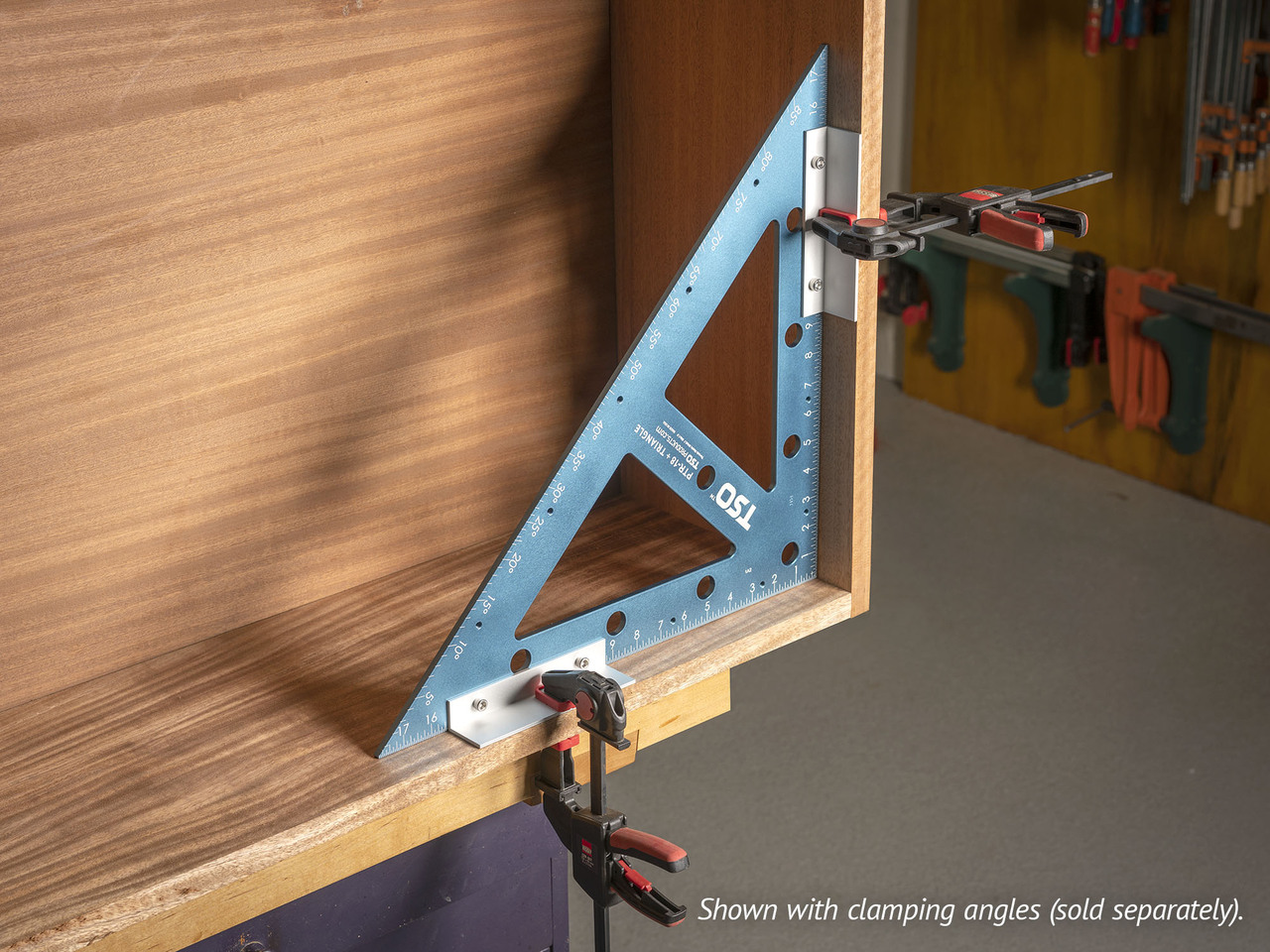 With clamping angles (sold separately), you can transform the PTR-18 into a jumbo-sized clamping square.