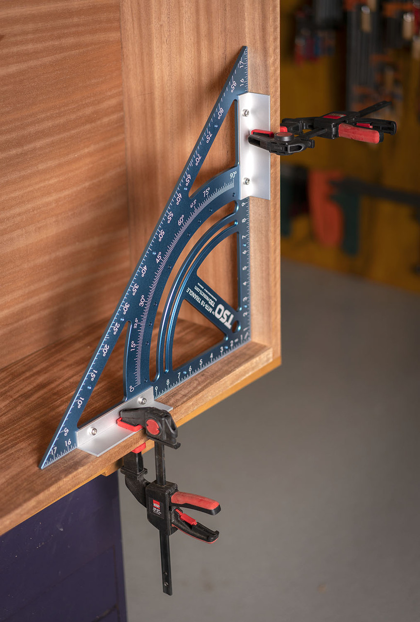 Squaring cabinet casing for assembly or glue-up is easy with the included clamping angles.