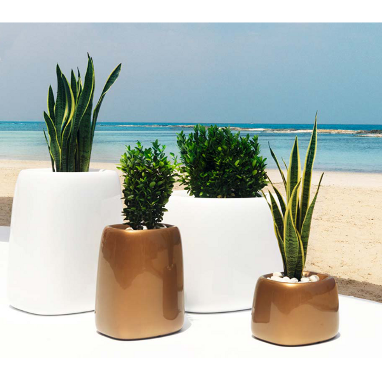 Vondom Organic Cuadrada Modern Planter