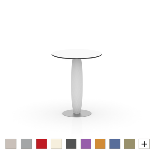 Vases Round Table