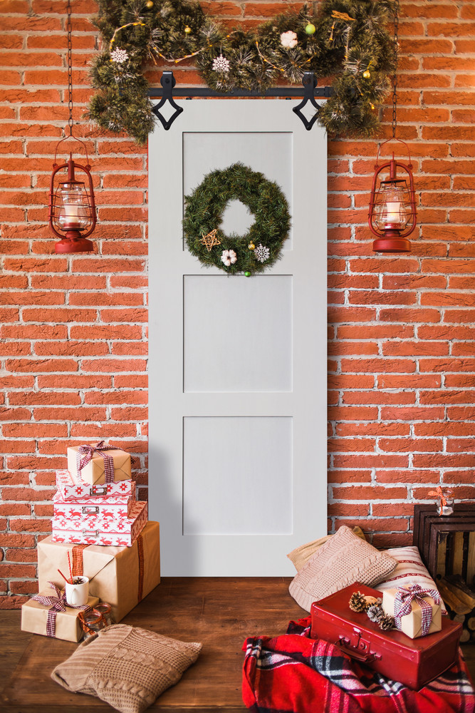 Deck Your Door with a Christmas Wreath this Year