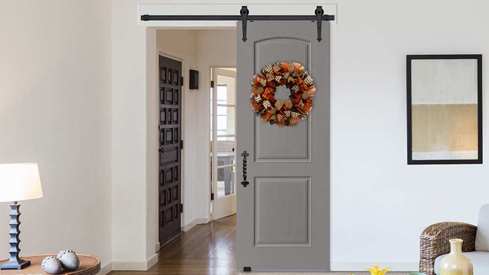 Fall Festivities: A Wreath for Every Barn Door