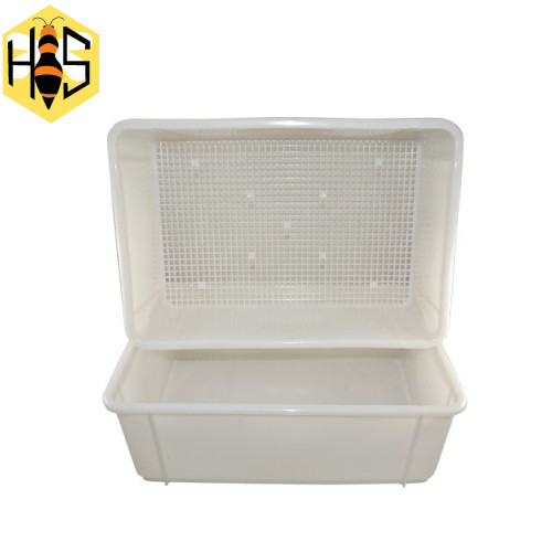 Tray uncapping plastic top