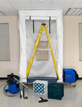 AIRE GUARDIAN® Mobile Containment Cube AG3000MCCK - Shown with OPTIONAL ICMOBVC Kit