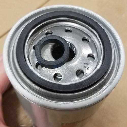 FF5285: Fleetguard Spin-On Fuel Filter