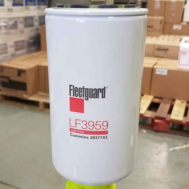 LF3959: Fleetguard Full-Flow Spin-On Oil Filter