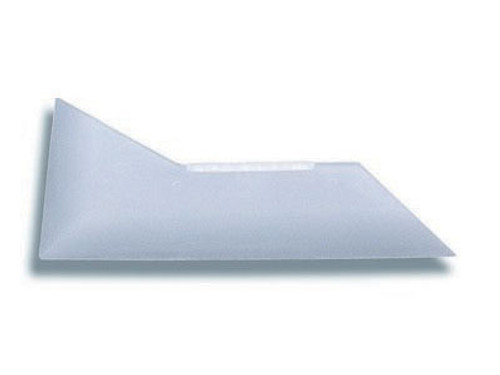 GT092 – Shuttle A hard card with the ability to reach into tight areas located at the bottom edge of rear window glass.