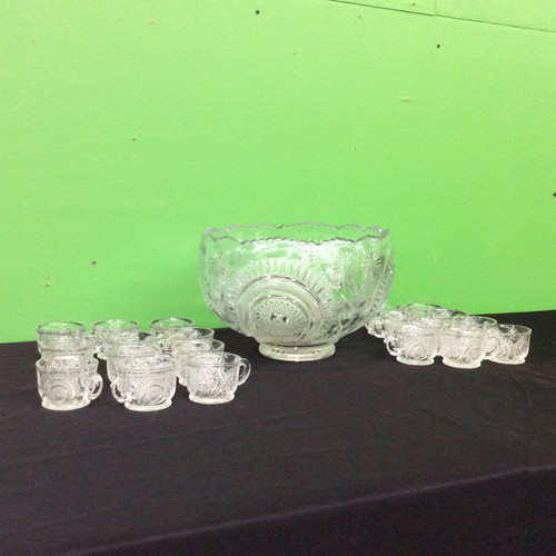 Vintage L.E Smith Glass Punchbowl +16 cups