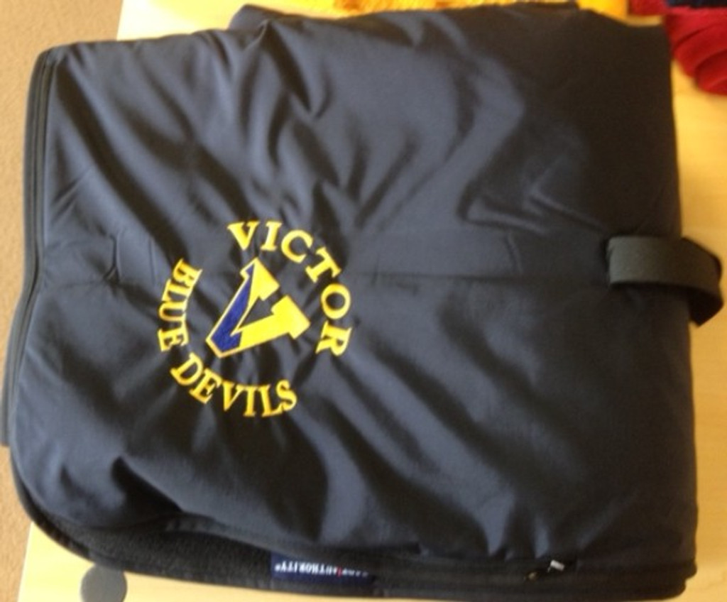 Fleece/nylon blanket w/ embroidered VICTOR logo