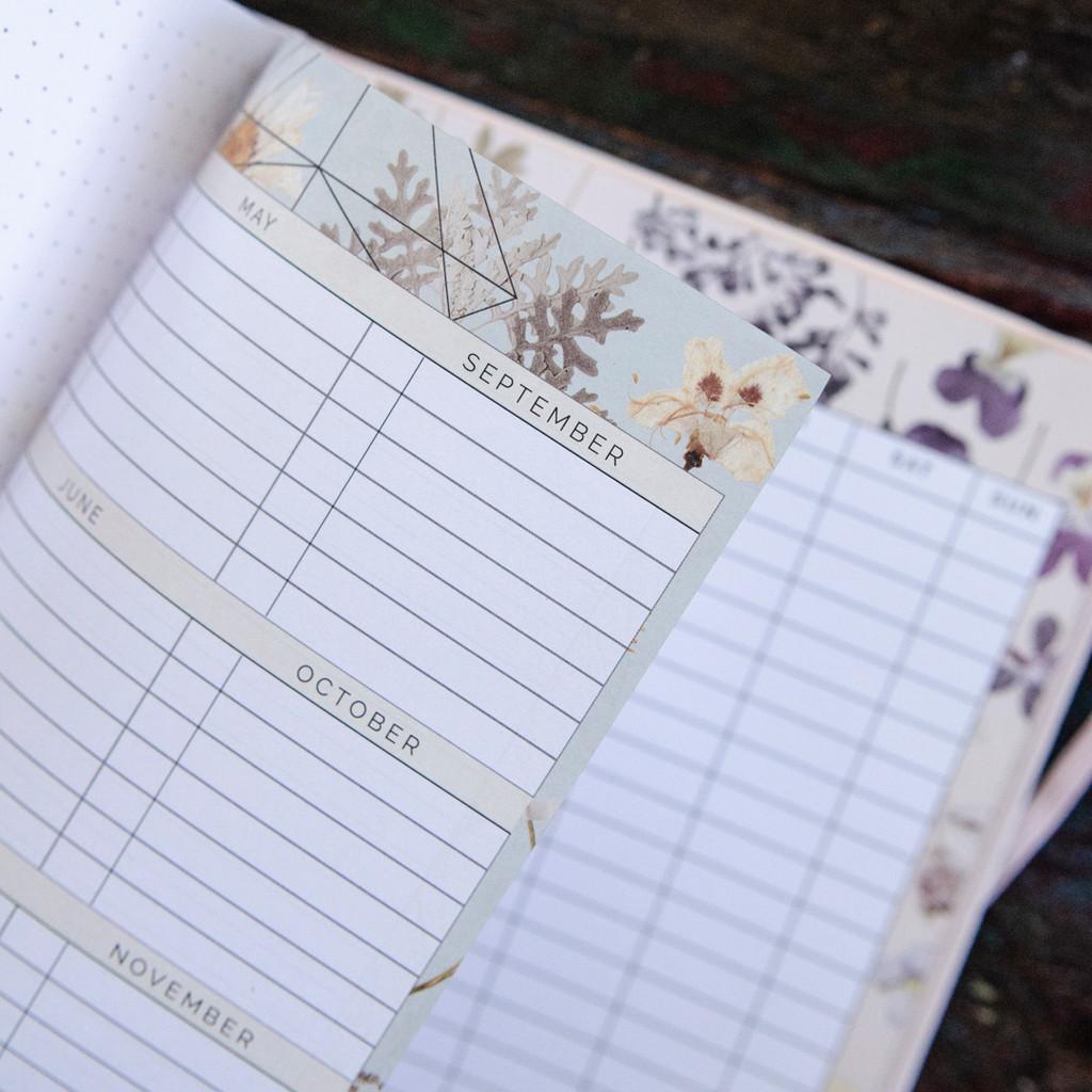 Gratitude Dateless Planner by Papaya Art