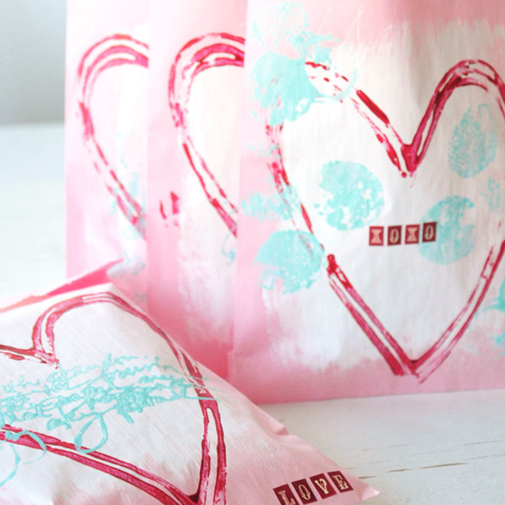 Perfectly Grungy Heart Pouches Project