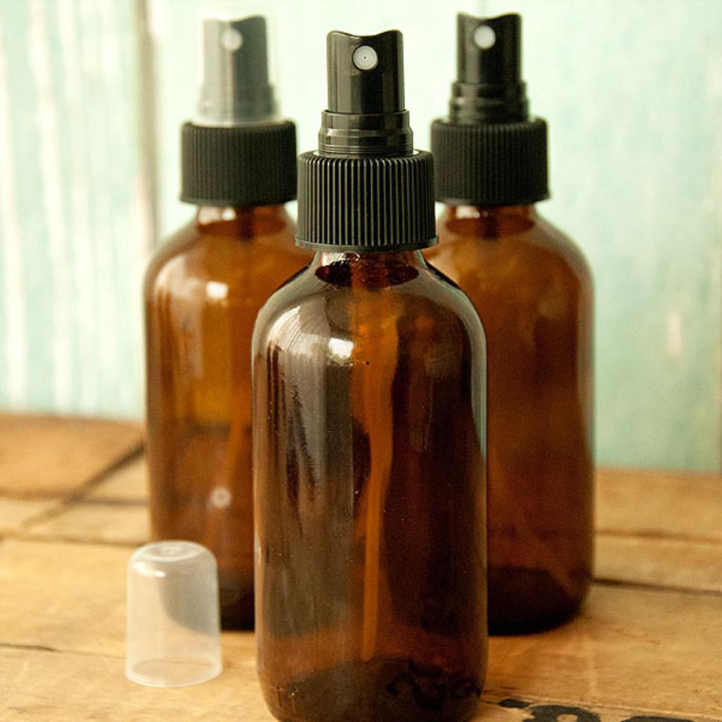 Amber Boston Round Glass Bottle 4 oz w/ Black Atomizer — Kit of 3