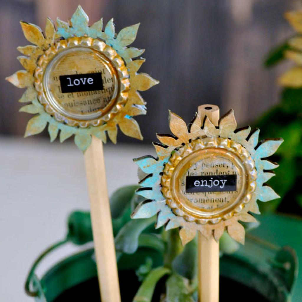 Rosette Medallion Plant Stakes
