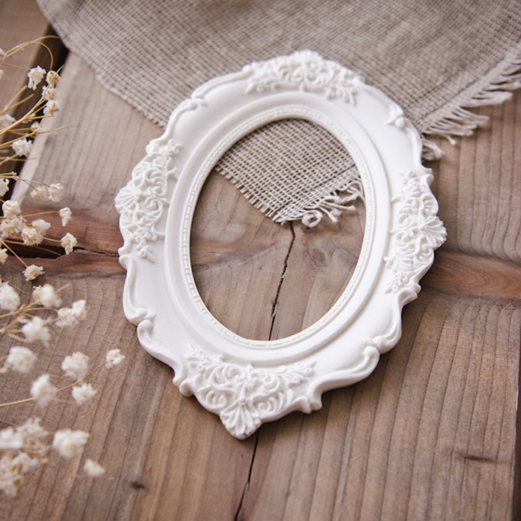 Memory Hardware Resin Frames — Chantilly Royal frame