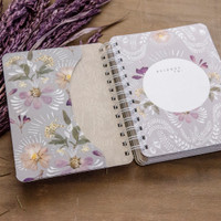 2021 - 2022 Orchid Lace On-the-Go Weekly Planner