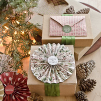 Wrapping Inspiration with Paper Rosettes