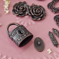 Rusted Iron Jewelry Charms Kit from B'sue by 1928