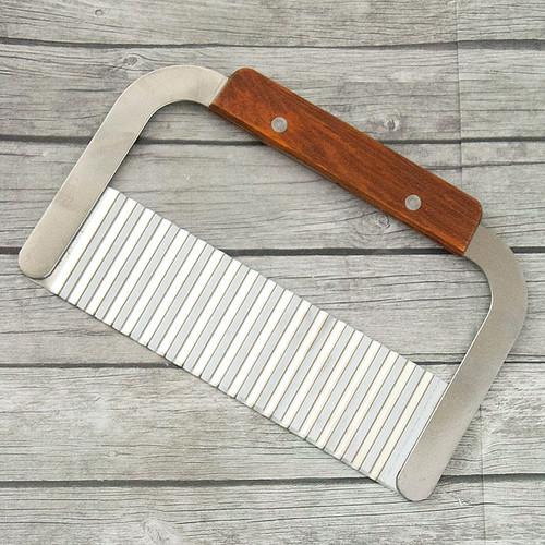 Soap Cutter Wavy 7 inch