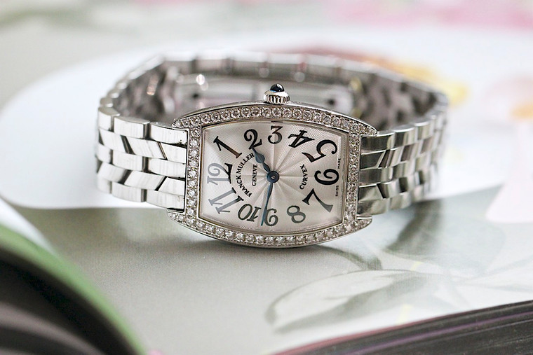 Elegant ladies timepiece for sale- Franck Muller Ladies Curvex White Gold & Diamond Watch 1752qzdp .  Featuring materials such as white gold and diamonds.  Elegant shape and comfortable bracelet.   Pre-owned in great condition with original box and documents.