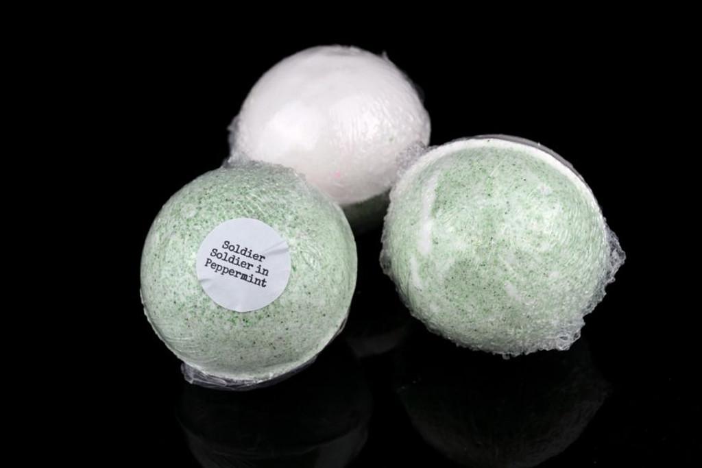 peppermint bath bomb