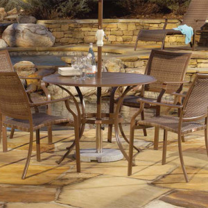 Island Cove Outdoor Dining Collection