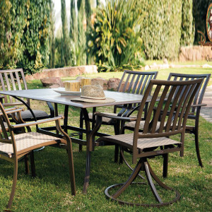 Island Breeze Outdoor Dining Collection