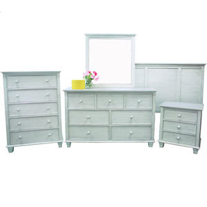 Woodfield Bedroom Collection