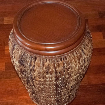 Panama Accent Table w/ Veneer Top in Sienna finish
