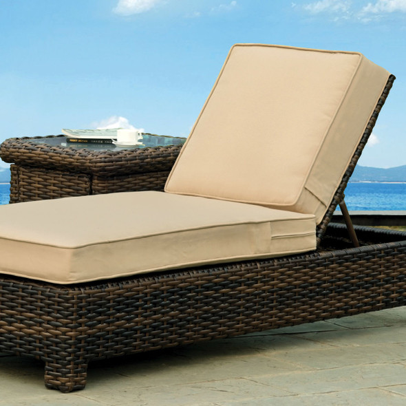Saint Tropez Outdoor Chaise Lounge in Tobacco finish