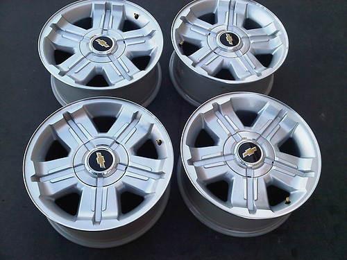 """18"""" Fits Chevy Silverado- Z71 Wheels Rims Tahoe Suburban Silver Set 4 - Hollander 5300"""
